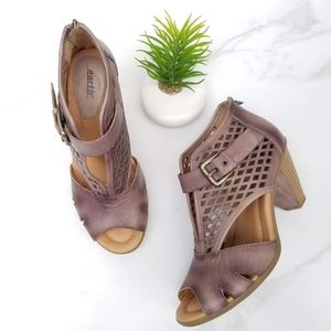 Earth Virgo Peep Toe Sandals Gray Cut-out Leather